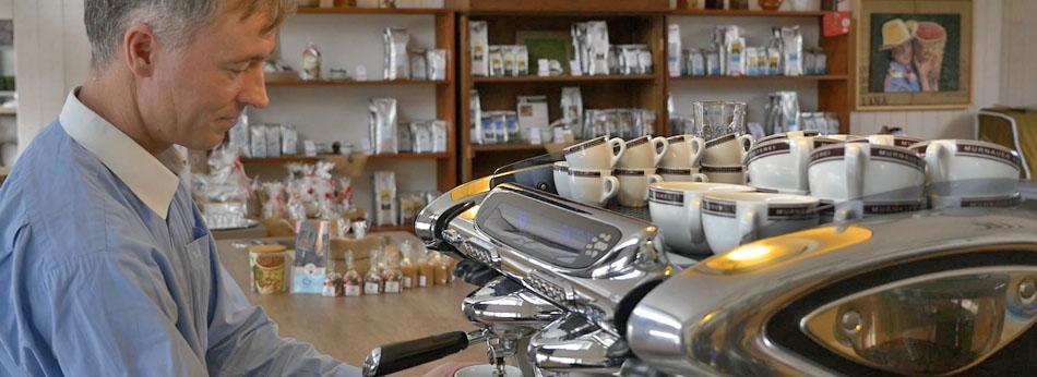 Slider MKR Michael Eckel - Die Kaffee-Akademie der Murnauer Kaffeerösterei